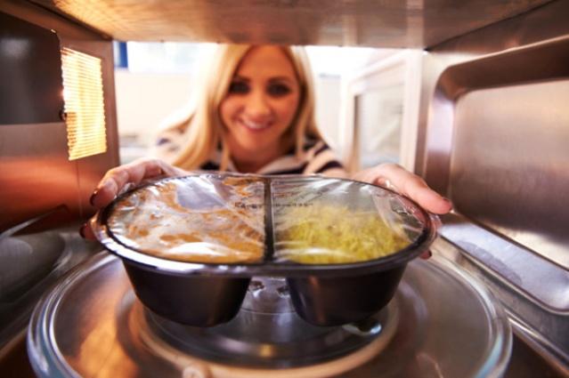 Bu Yiyecekleri Asla Mikrodalgaya Atmayın!