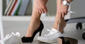 Ayakkabıyı Sakın Böyle Giymeyin!