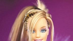 Diyanet Şimdi de Barbie Bebeklere Taktı!