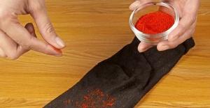 Bir Tutam Biberi Çorabınıza Döküp Giyerseniz...