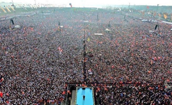 AKP'liler Büyük İstanbul Mitingi Diye Bakın Ne Paylaştı?