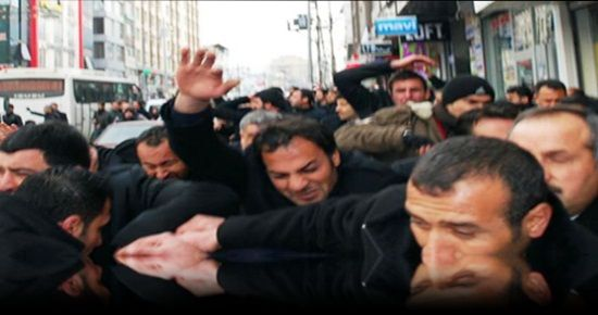 AKP'Lİ ADAYA BDP'LİLER SALDIRDI...