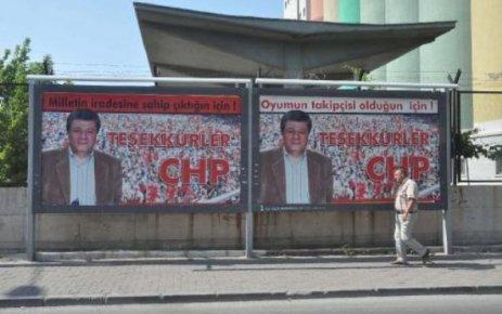 BU AFİŞLER İZMİR'İ KARIŞTIRDI!