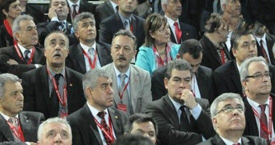 CHP KURULTAYINDA İZMİR TAM KADRO