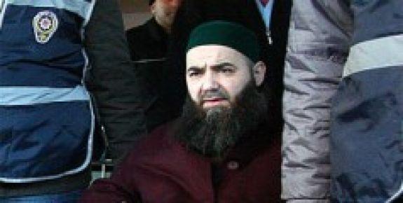 CÜBBELİ AHMET HOCA DIŞARIDA...