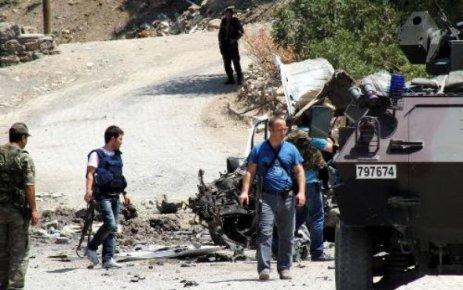 ÇUKURCA'DA PATLAMA: 4 POLİS YARALI