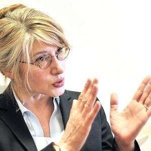 EMİNE ÜLKER TARHAN İSTİFA ETTİ!