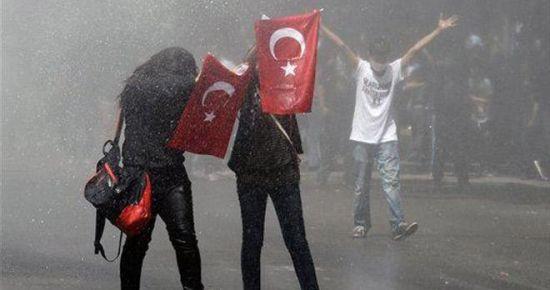 GEZİCİLER SEÇİMDE OYLARINI 'ONA' VERECEK!