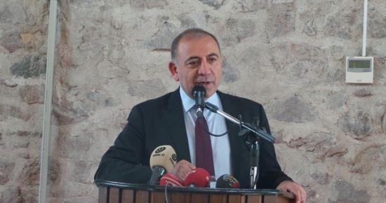GÜRSEL TEKİN İZMİR'DE BOMBALADI