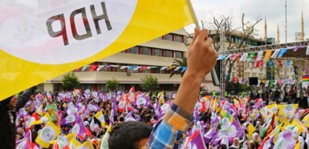 HDP'DEN D.BAKIR'A LAZ ADAY...