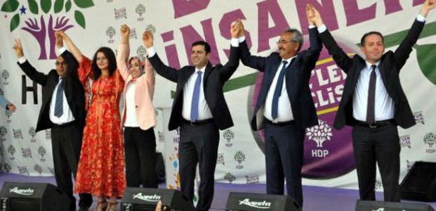 'KUR'AN AKP'YE MALZEME OLSUN DİYE İNDİRİLMEDİ'