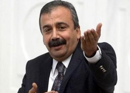 SIRRI SÜREYYA'DAN FLAŞ KARAR!