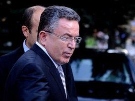 Sürpriz görüşme: Özcan Başbakanlık'ta