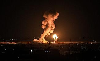 İsrail'den Şok Saldırı! Füzeler Yağıyor