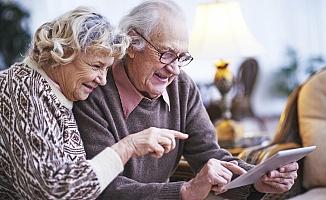 Yaşlı Nüfus Sosyal Medyacı...
