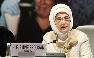 Emine Erdoğan Kitap Yazıyor
