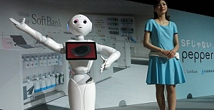 'ROBOTLAR 30 YIL SONRA İNSANLARI GEÇECEK'