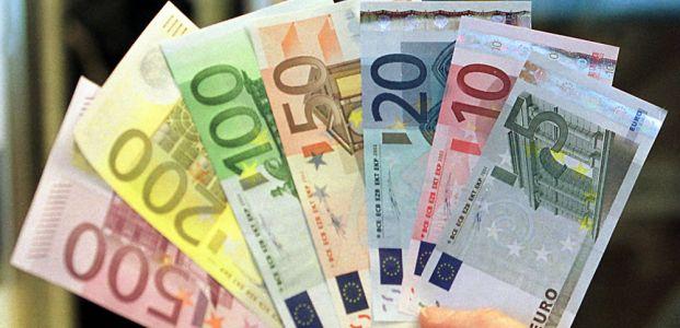 TÜRKİYE EURO'YA GEÇİYOR...
