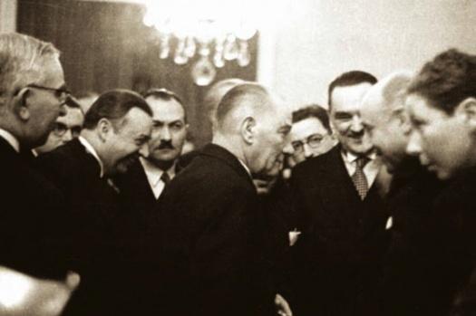 Ders: Ortadoğu.. Öğretmen: Mustafa Kemal Atatürk