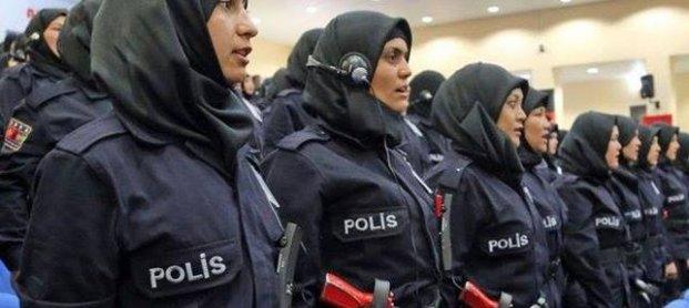 BAŞÖRTÜLÜ POLİSLER GELİYOR...