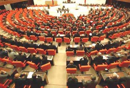 BDP'NİN 'DERSİM' ÖNERGESİ MECLİSİ FENA GERDİ