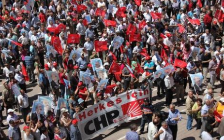 CHP'DE İKNA EKİPLERİ DEVREDE...