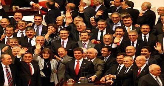 KENDİLERİNE 'FARK' YOK, VATANDAŞA VAR!