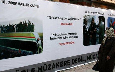 MHP'NİN AFİŞİNE AKP DARBESİ...