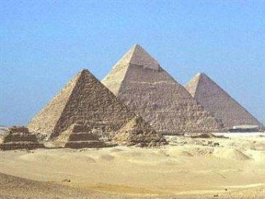 MISIR'DA YENİ PİRAMİTLER BULUNDU