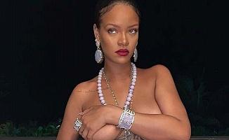 Rihanna Krize Sebep Oldu