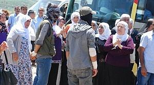 PKK, HDP'LİLERİN YOLUNU KESTİ...