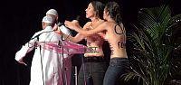 FEMEN, MÜSLÜMAN KONFERANSINI BASTI!